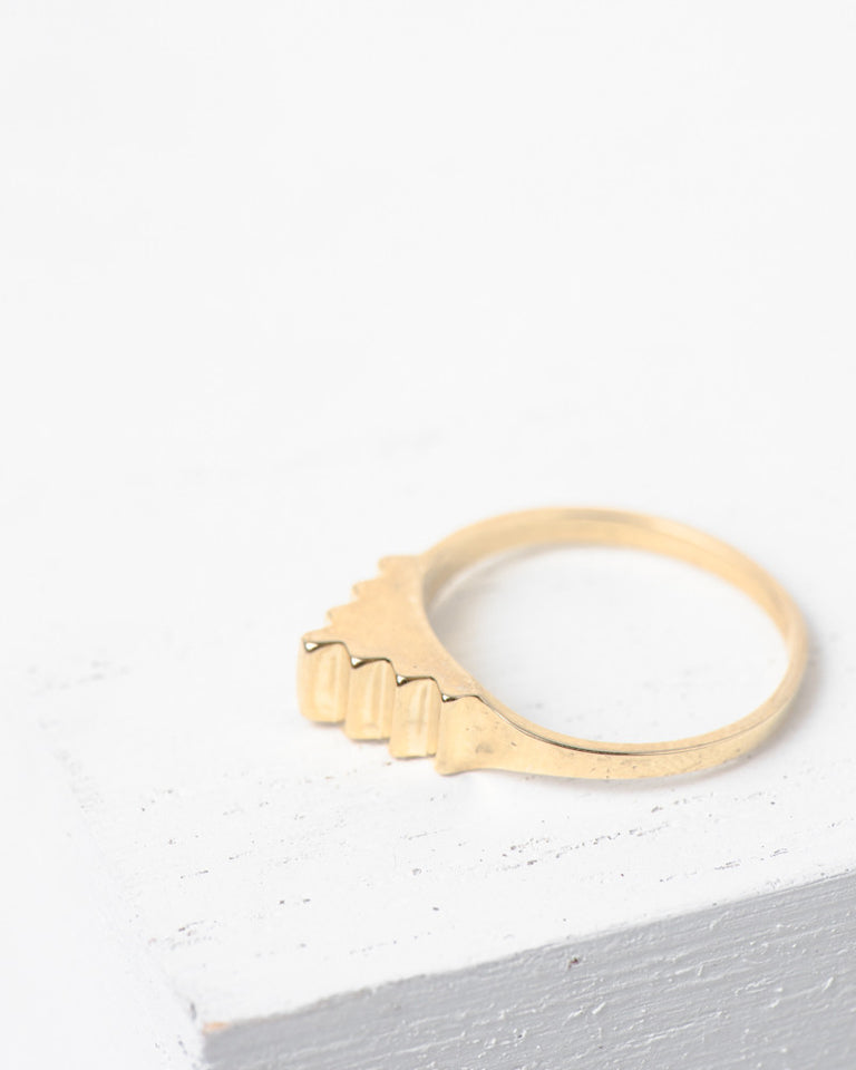 Pyramid Ring in 10k Gold