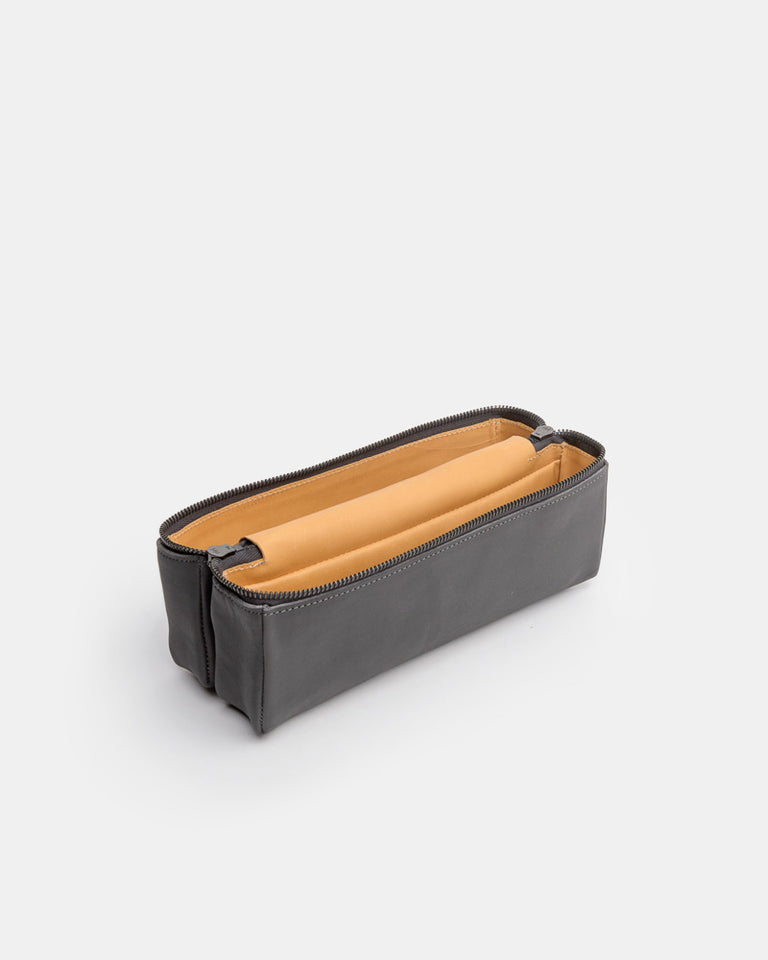 Magic Travel Box in Carbon