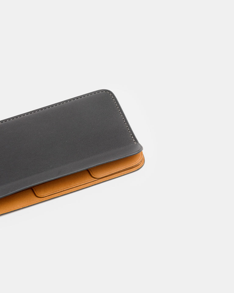 Classify Card Holder in Carbon