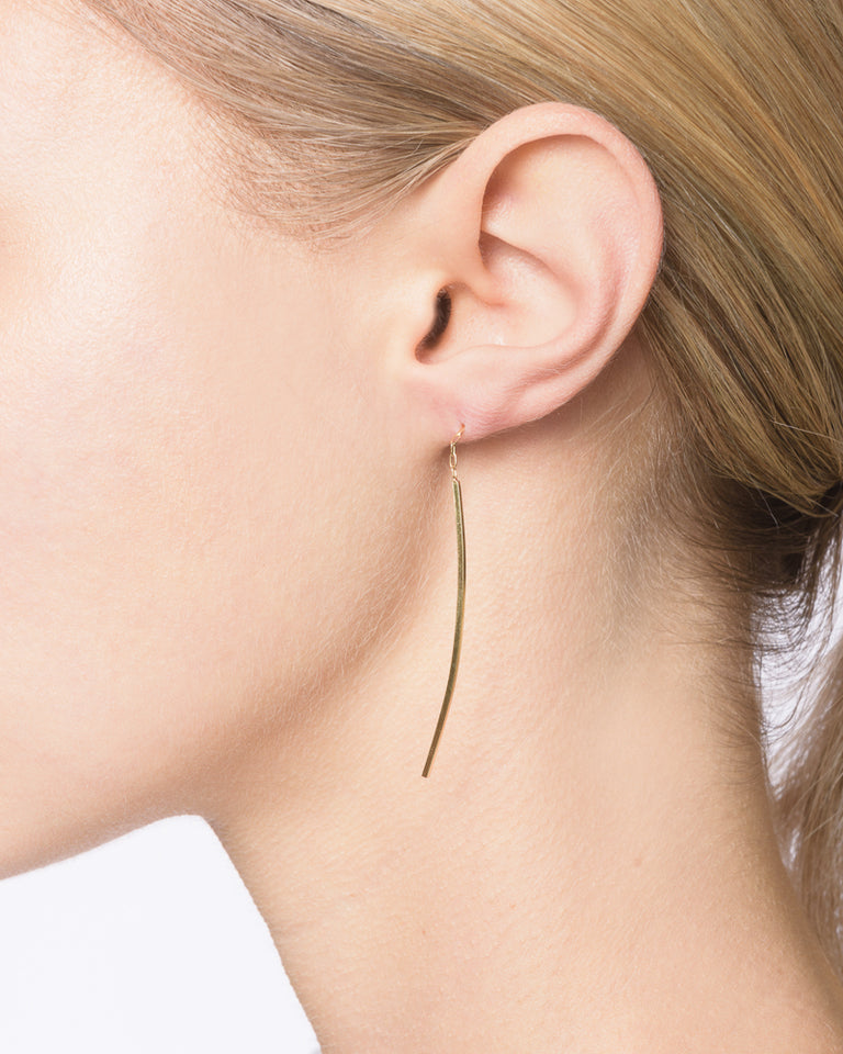 Linear Curve Earrings in 18K Yellow Gold