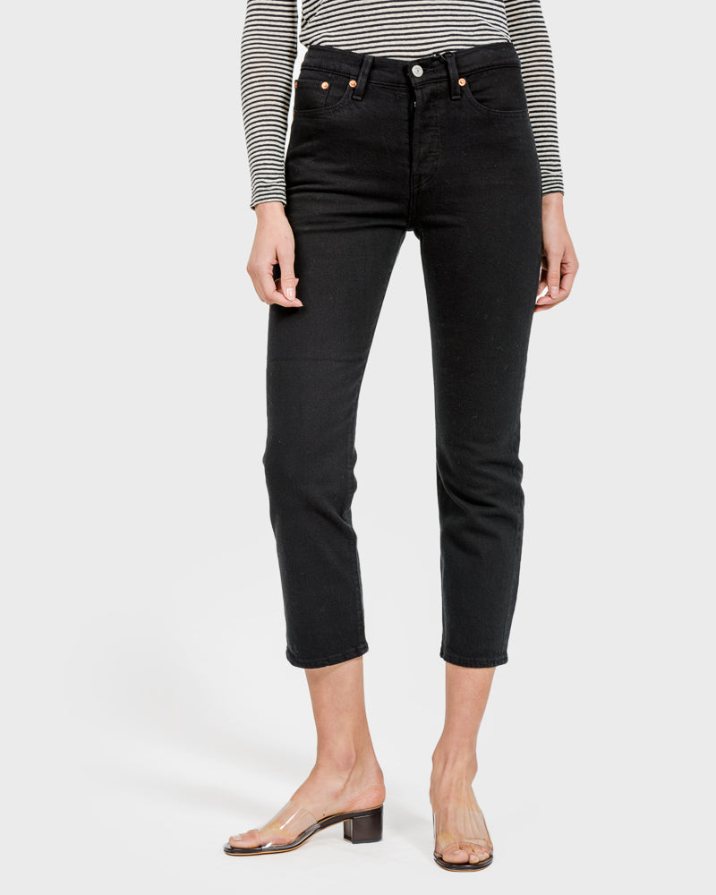 Wedgie Fit Straight Jeans in Black Heart