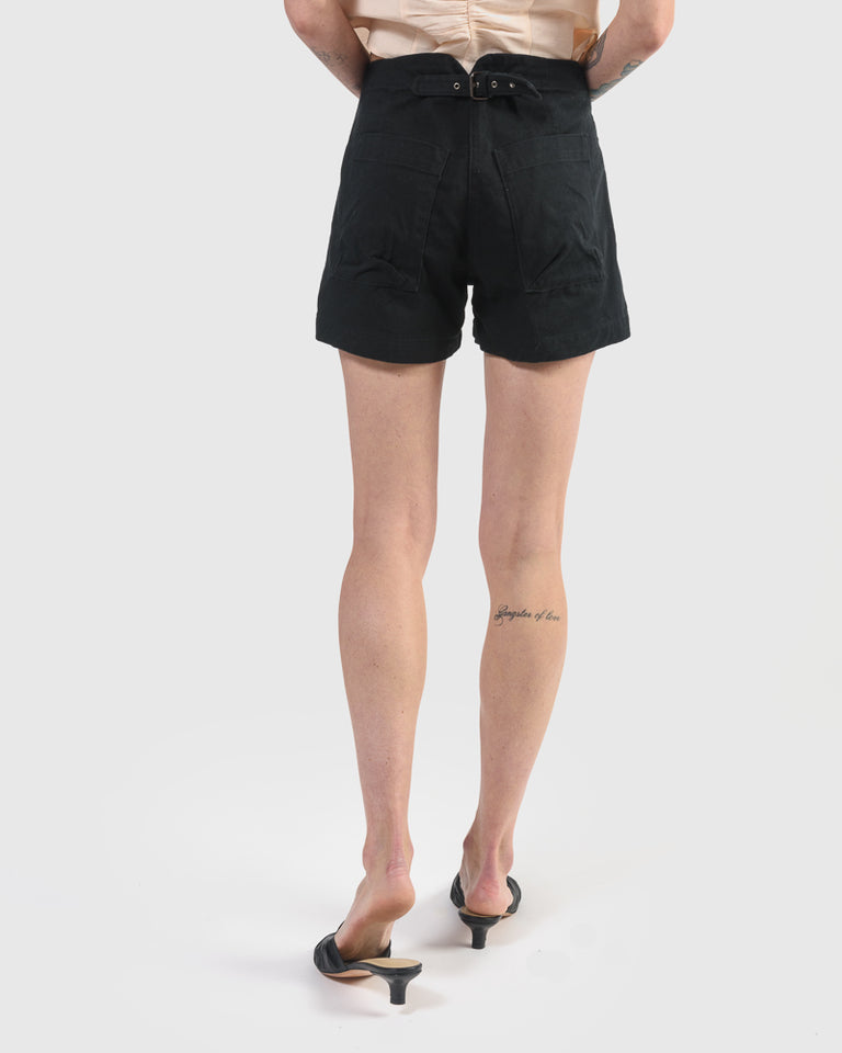Elkin Short in Black