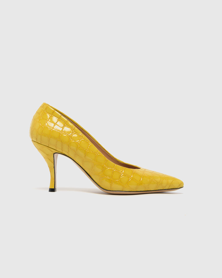Crocodile Embossed Pump in Yellow