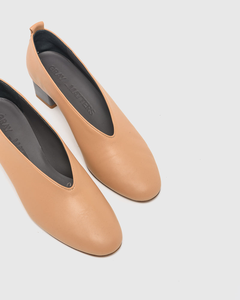 Mildred Classica Pump in Camel