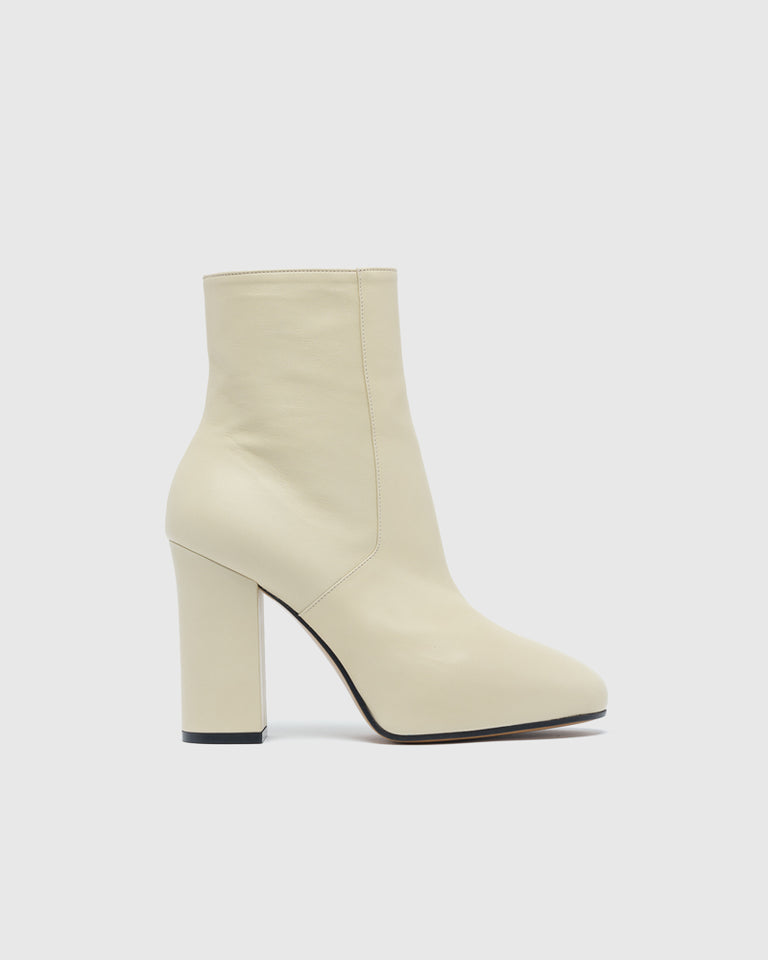 Ankle Boot in Ecru