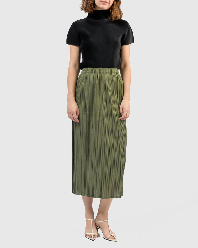 Mellow Pleats in Green