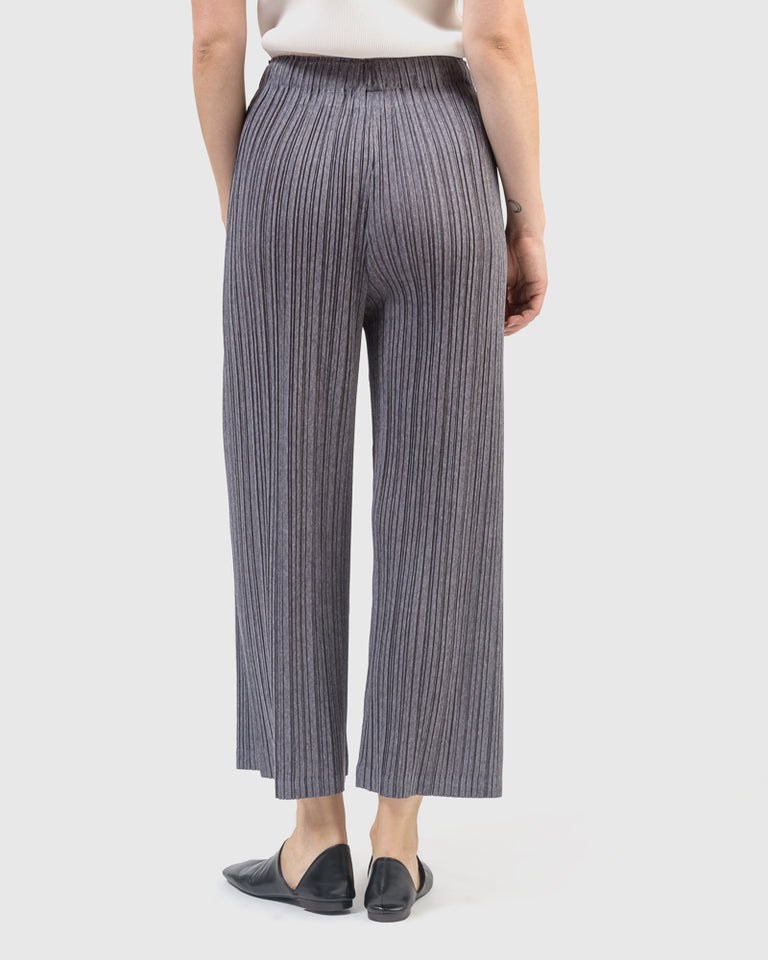 Ramie Pleats in Grey