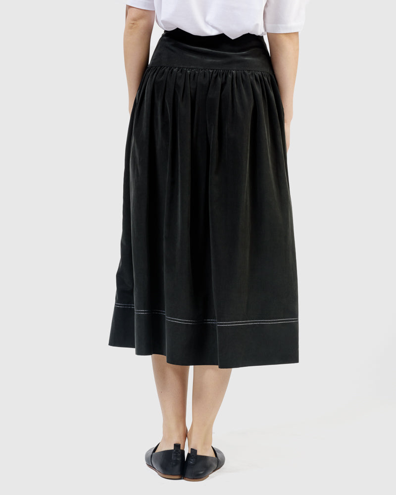 Sierra Contrast Stitch Skirt in Black