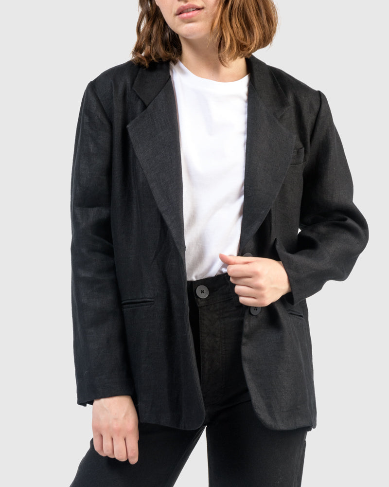 Lazy Blazer in Black