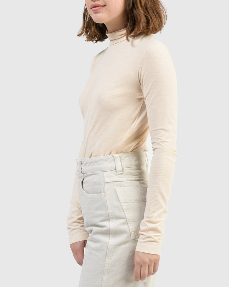 Long Sleeve T-Shirt in Almond