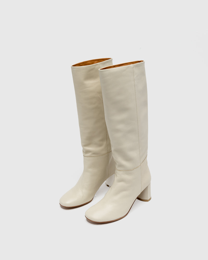 Donna Round Toe Leather Tall Boots in Hueso