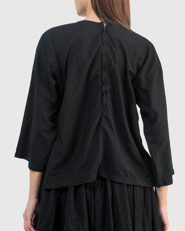 B009 Blouse in Black