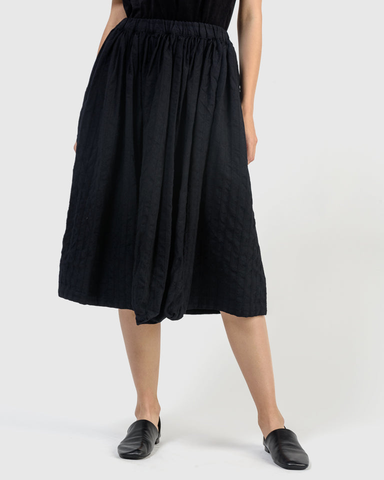 S010 Skirt in Black