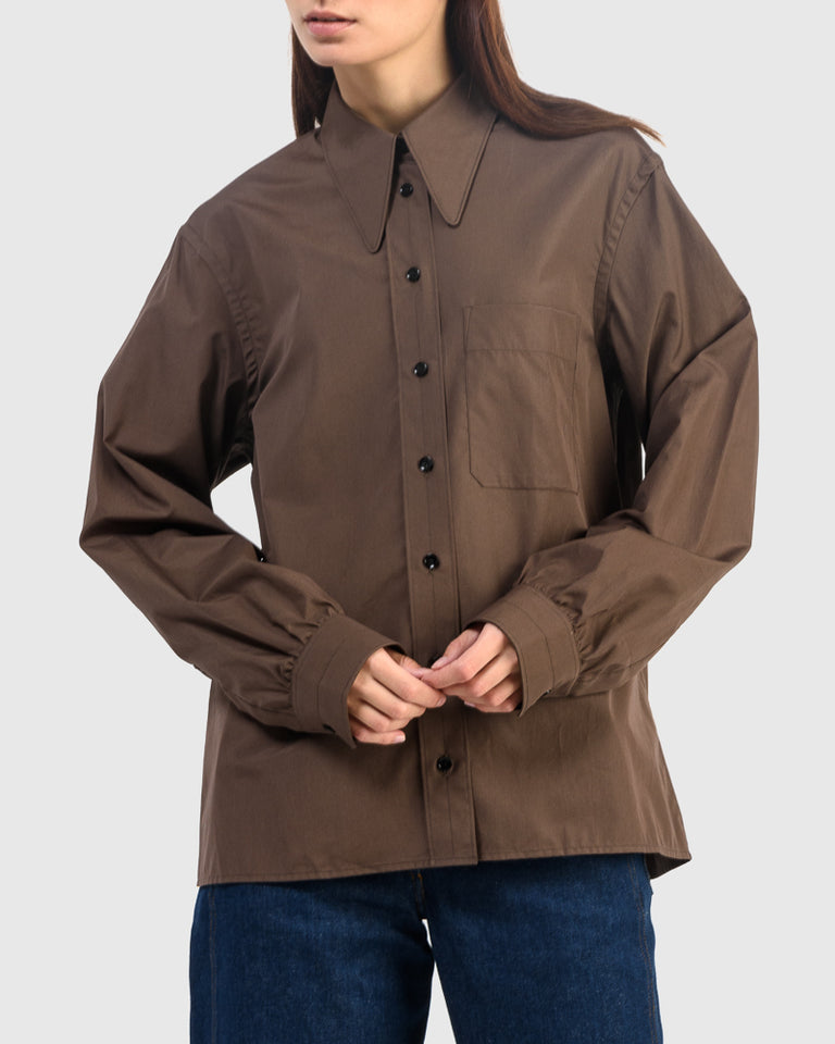Pointed Collar Shirt in Dark Earth