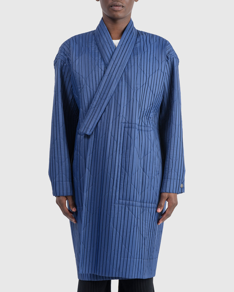 Padded Pleats Coat in Blue