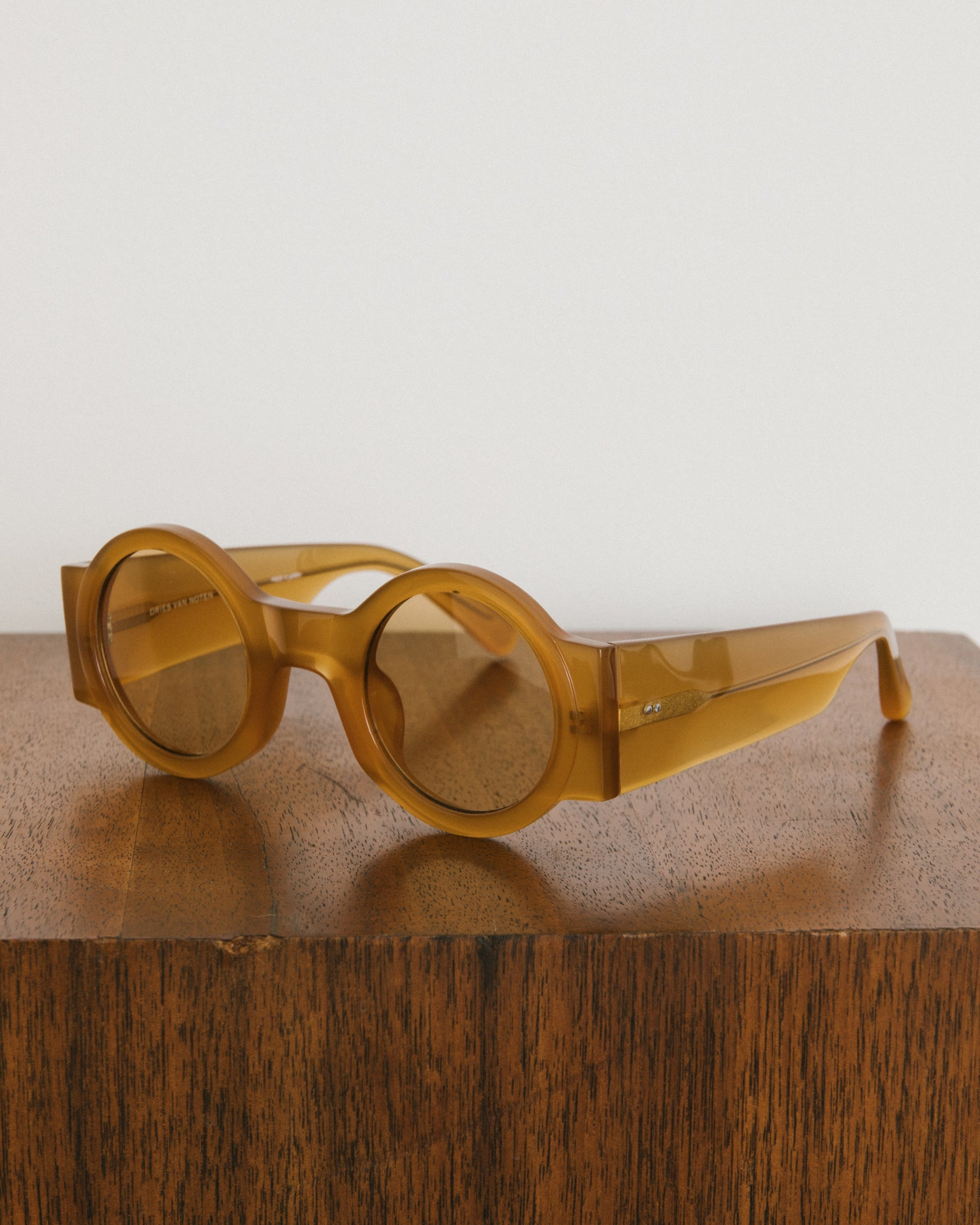 Sunglasses in Amber and Light Gold