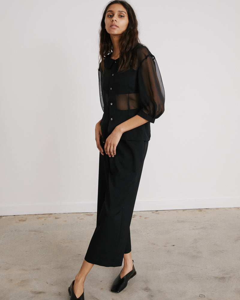 Curved Pants in Black