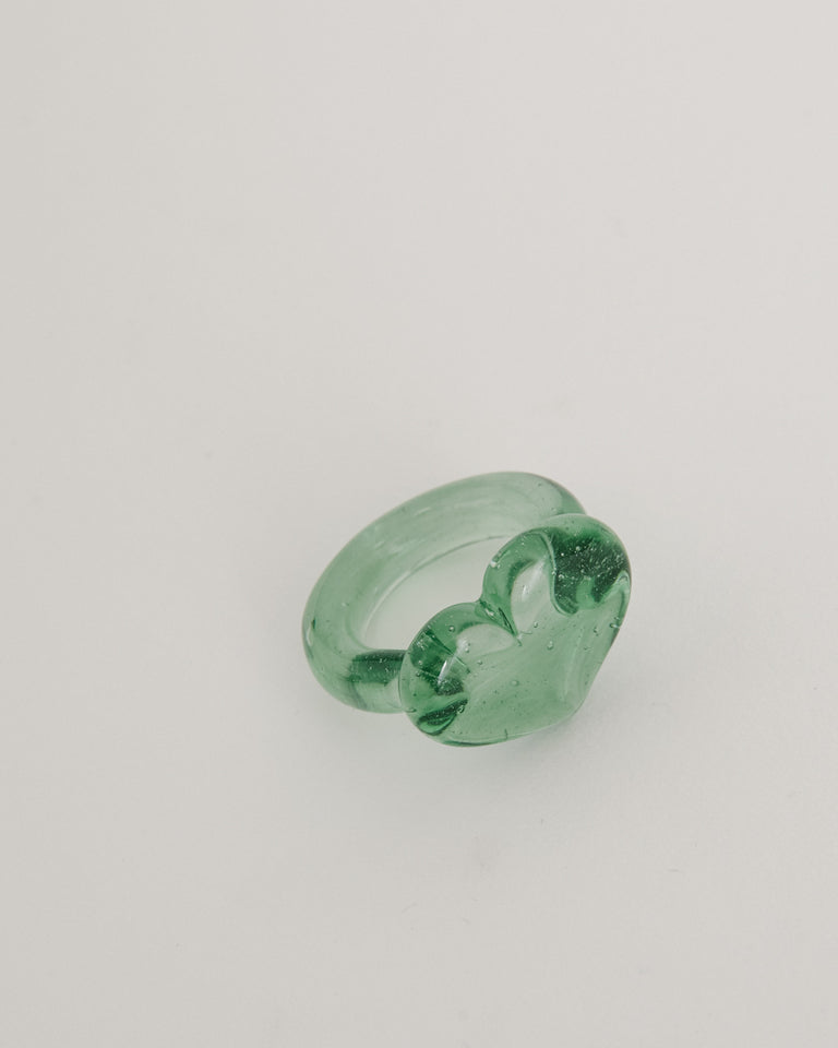 Corazon Glass Ring in Emerald