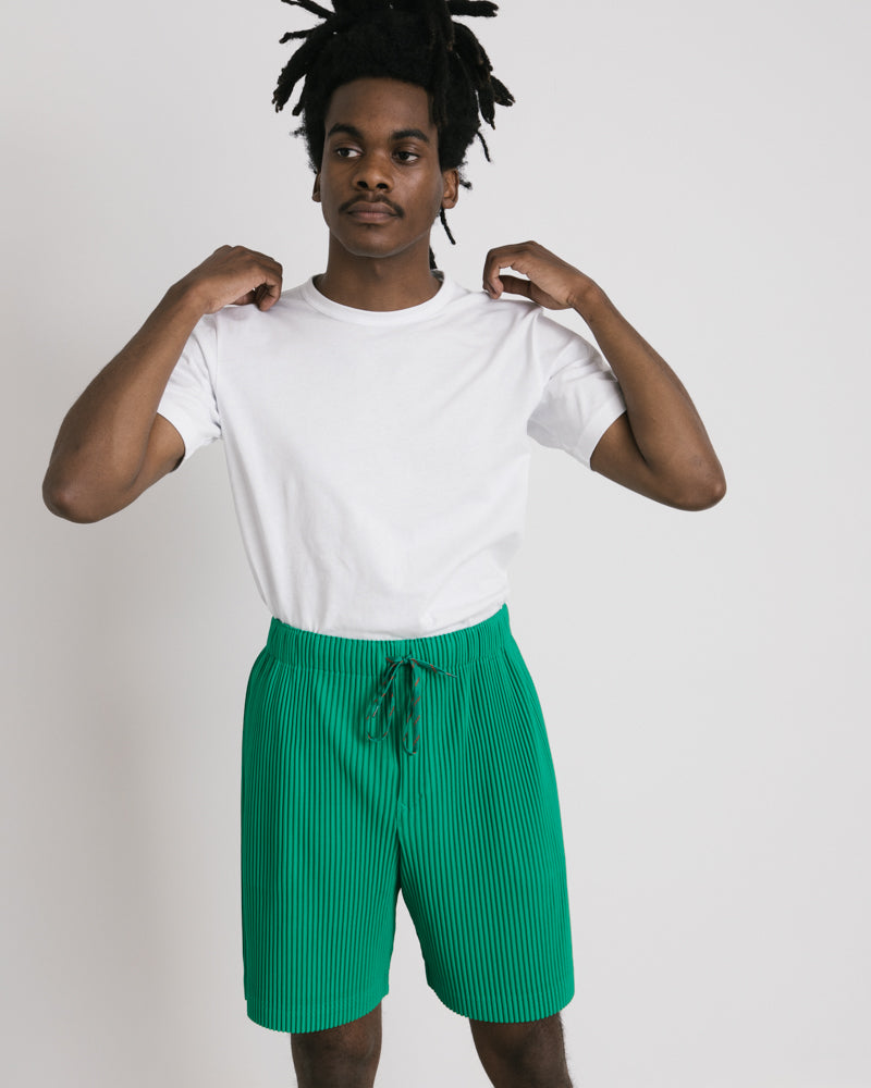 Pleated Shorts in Green