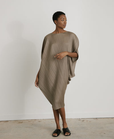 Curved Dress in Ash Grey