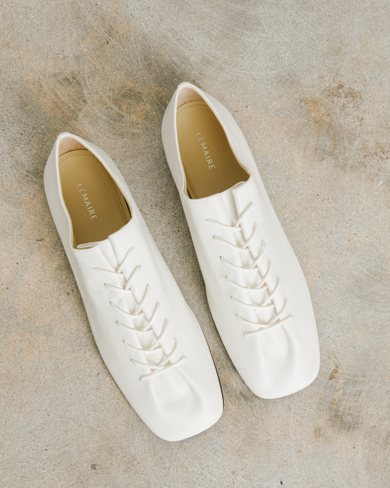 Flat Derbies in White