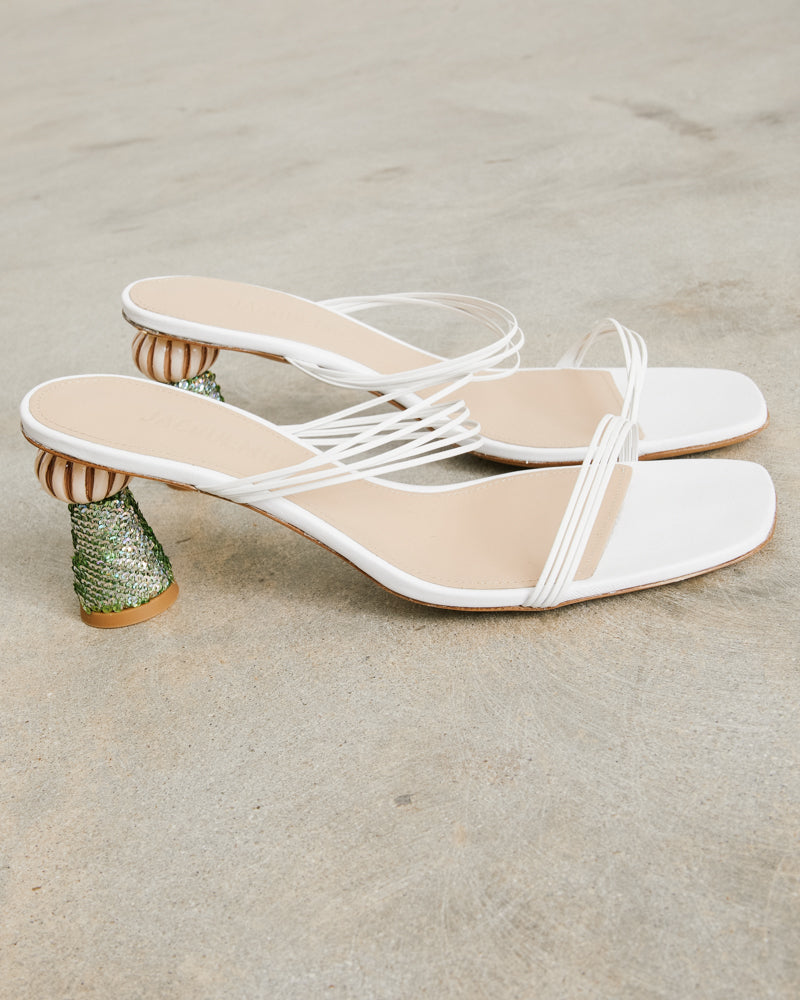 Les Mules Vallena in White