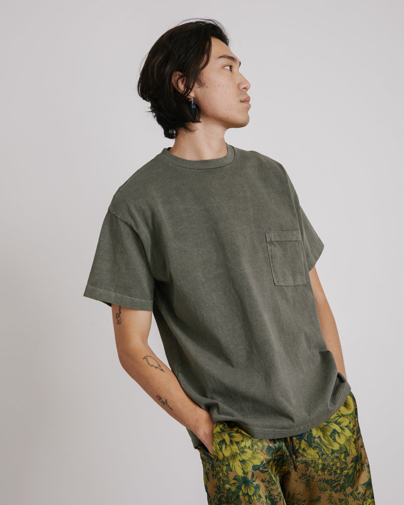 Big Pocket Tee in Olive