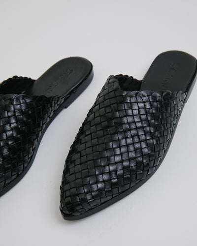 Caio Woven Flat in Black