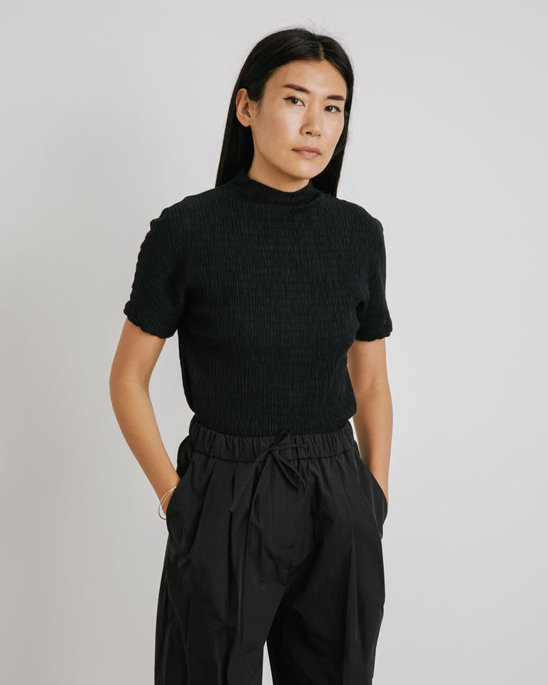 Wrinkle Top in Black