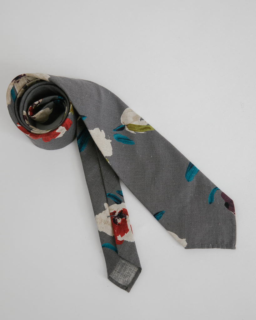 Floral Tie in Gray
