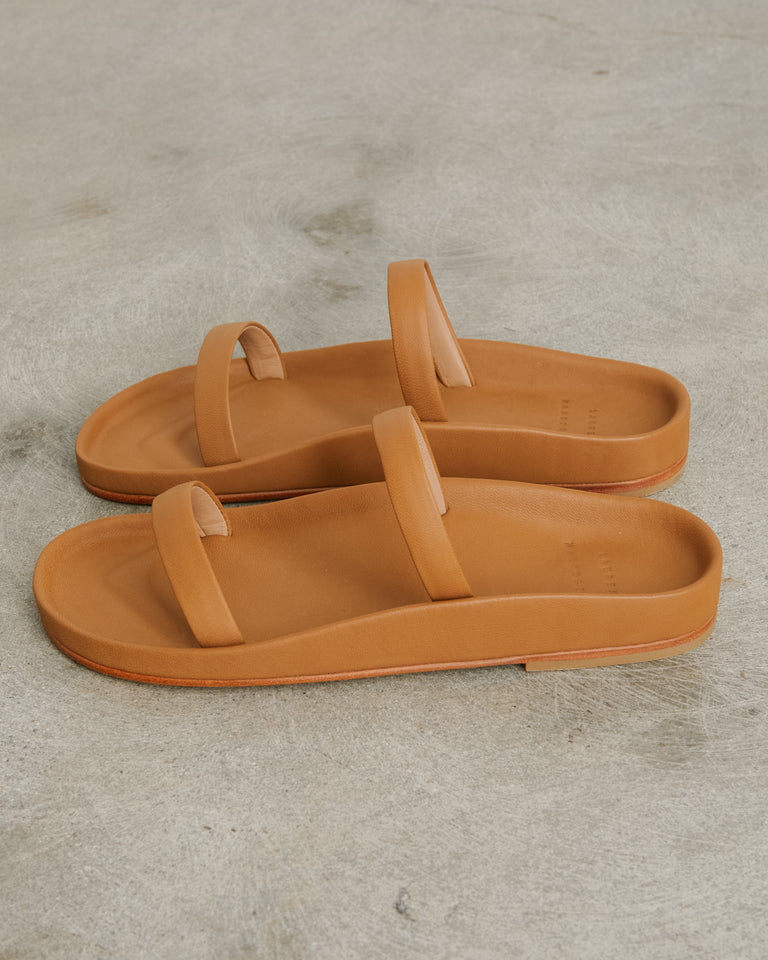 Line Sandal in Saddle
