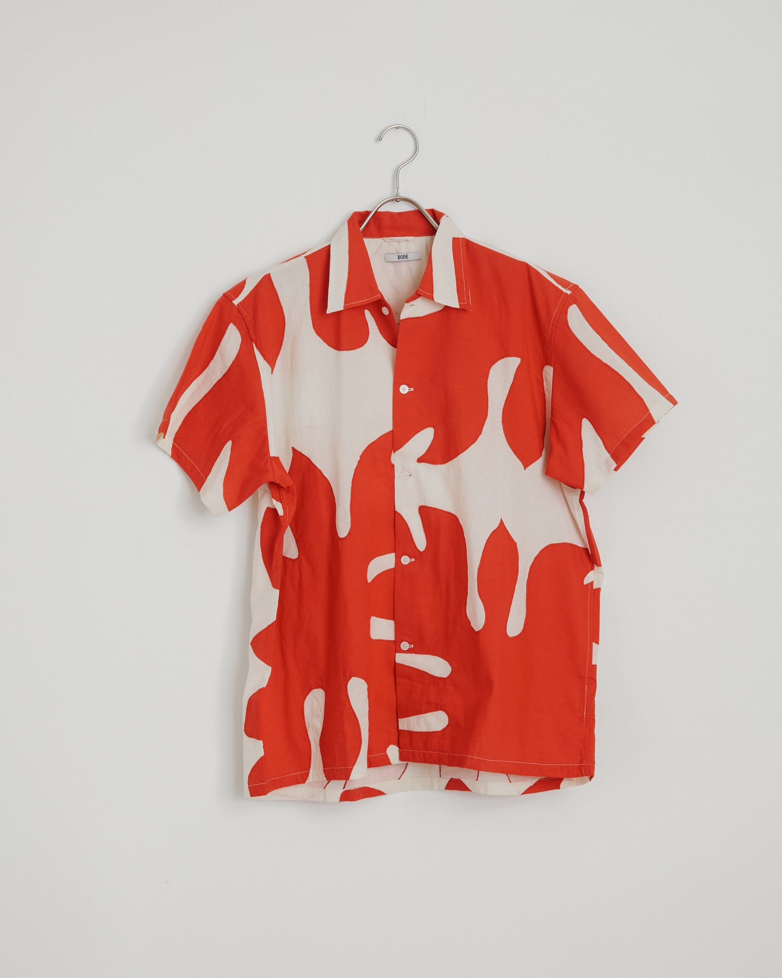 Cut-Out Applique Shirt in White/Red