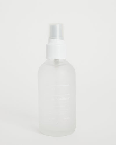 Hand Santizer Spray in Bergamot/Chamomile 4oz