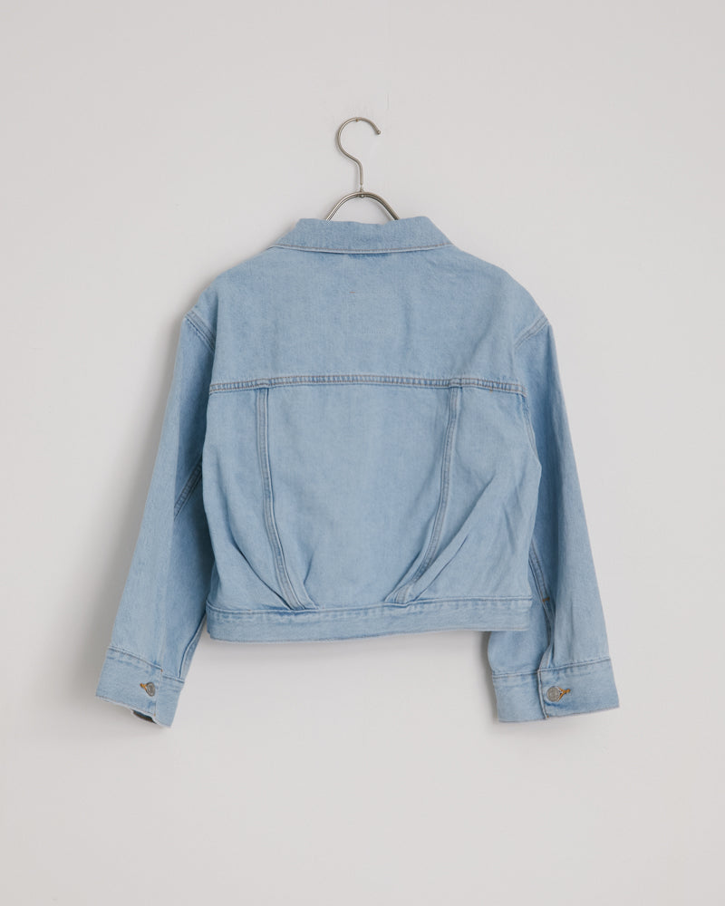 Loose Sleeve Trucker Jacket in Light Wash