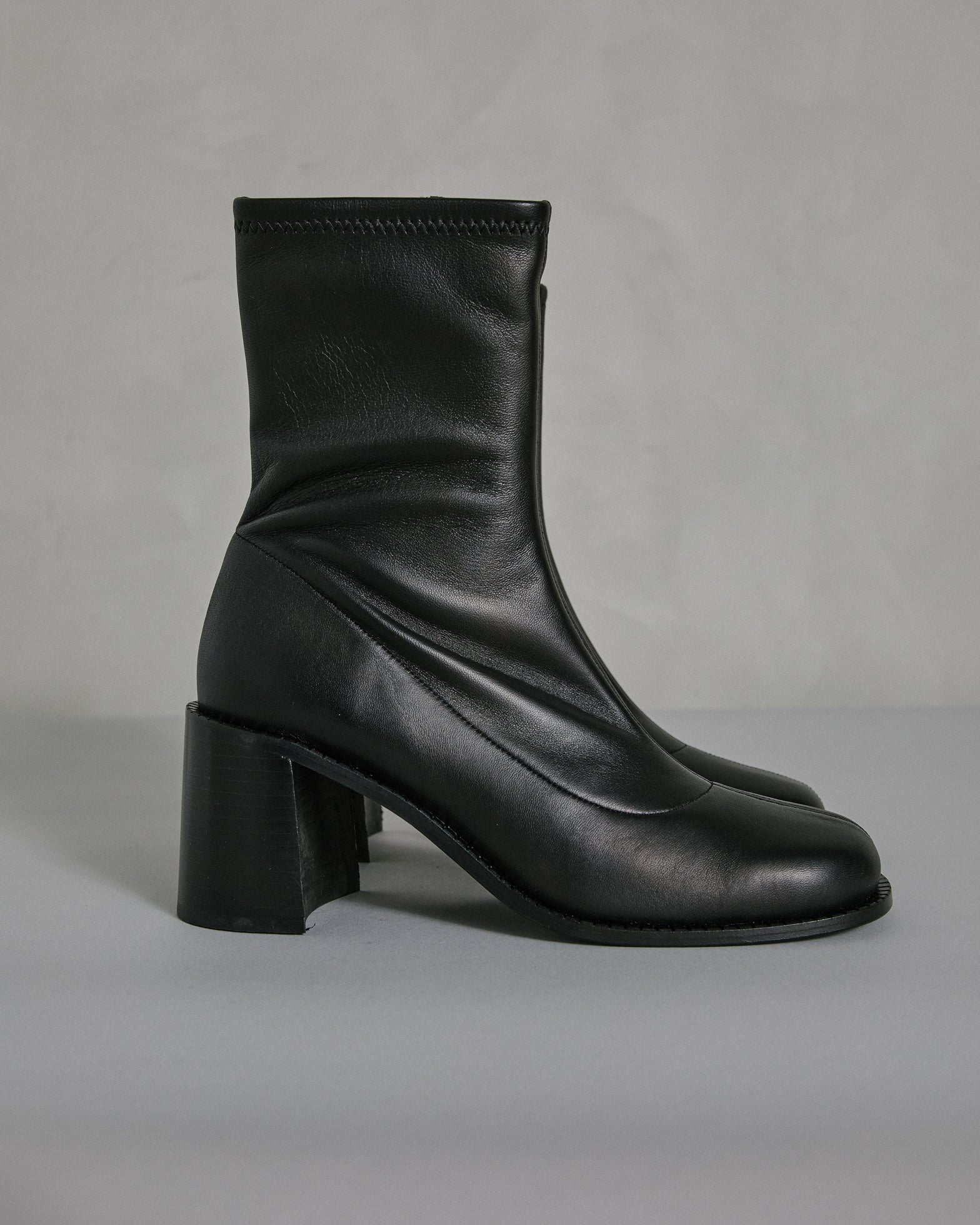 Low Mojo Boot in Black
