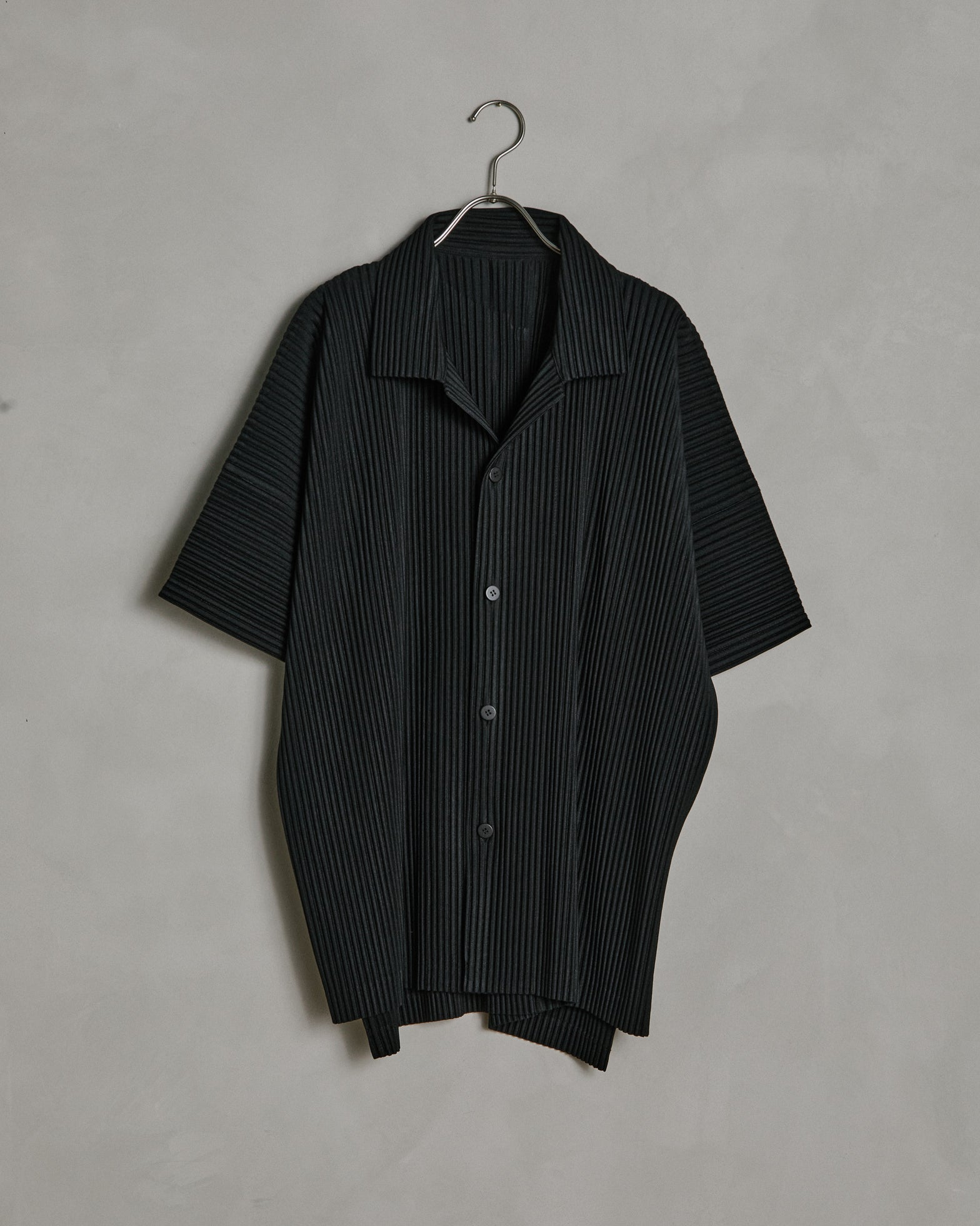 MC July Shirt in Black