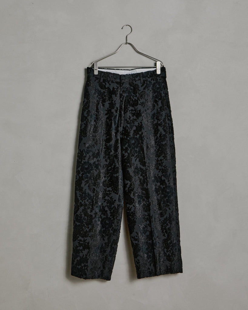 Flower Velvet Wide Silhouette Slacks in Black