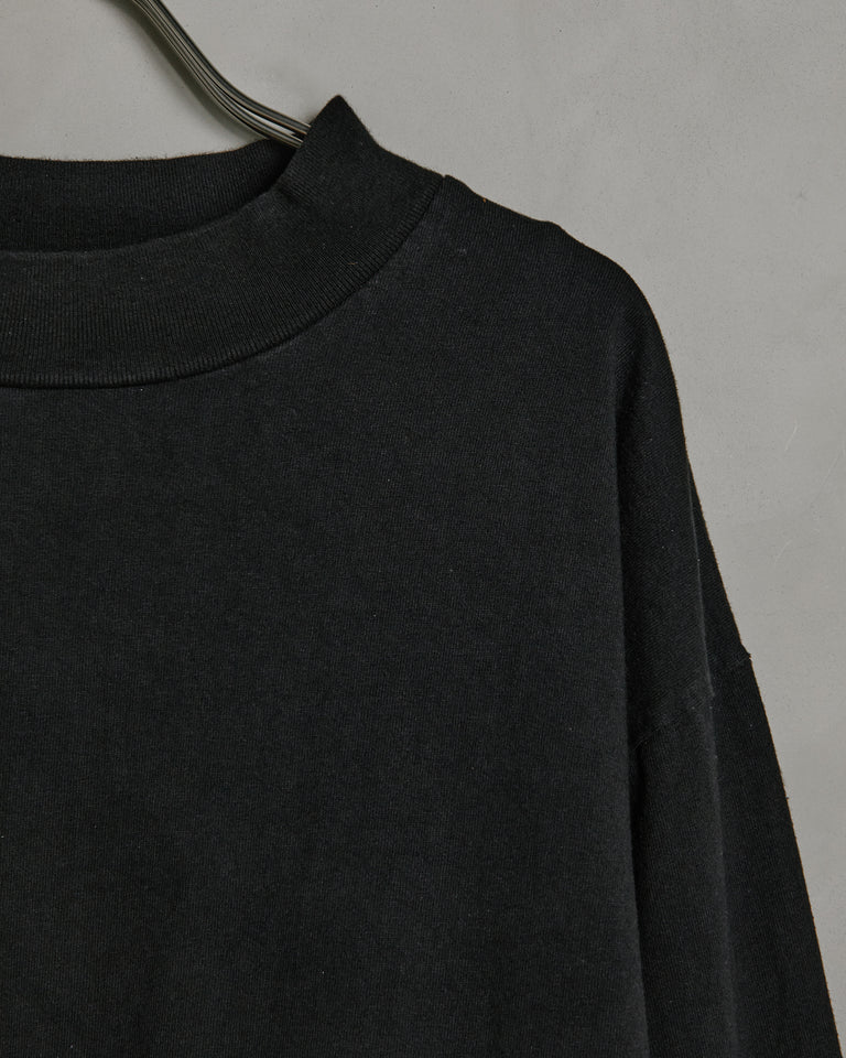 Mockneck LS Tee in Black