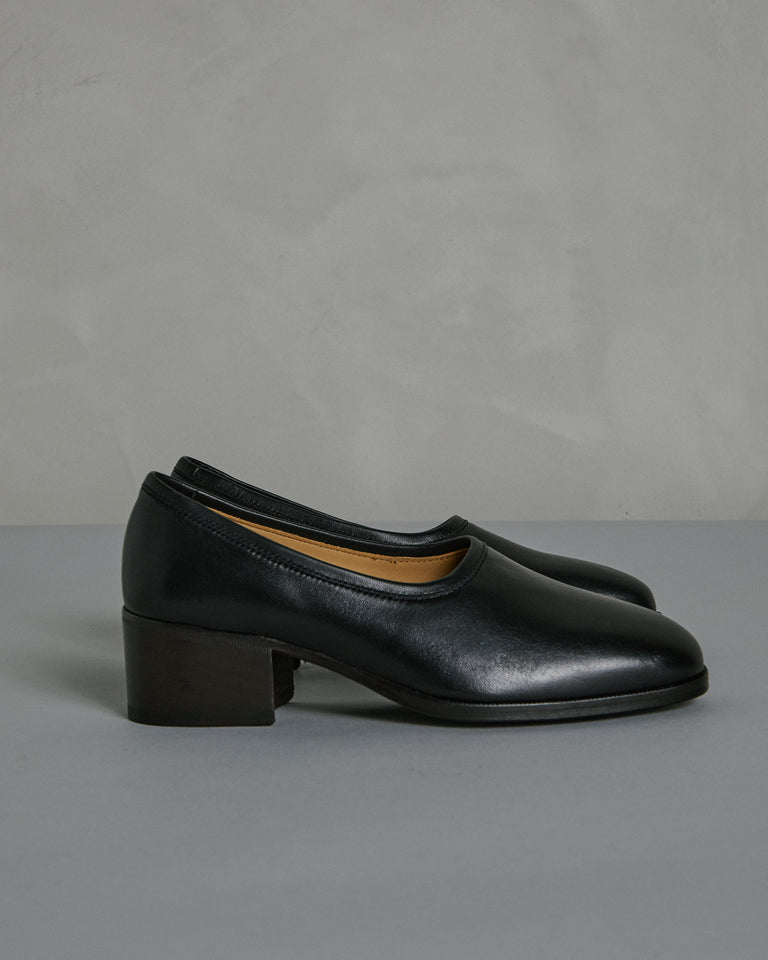 Heeled Loafers in Black