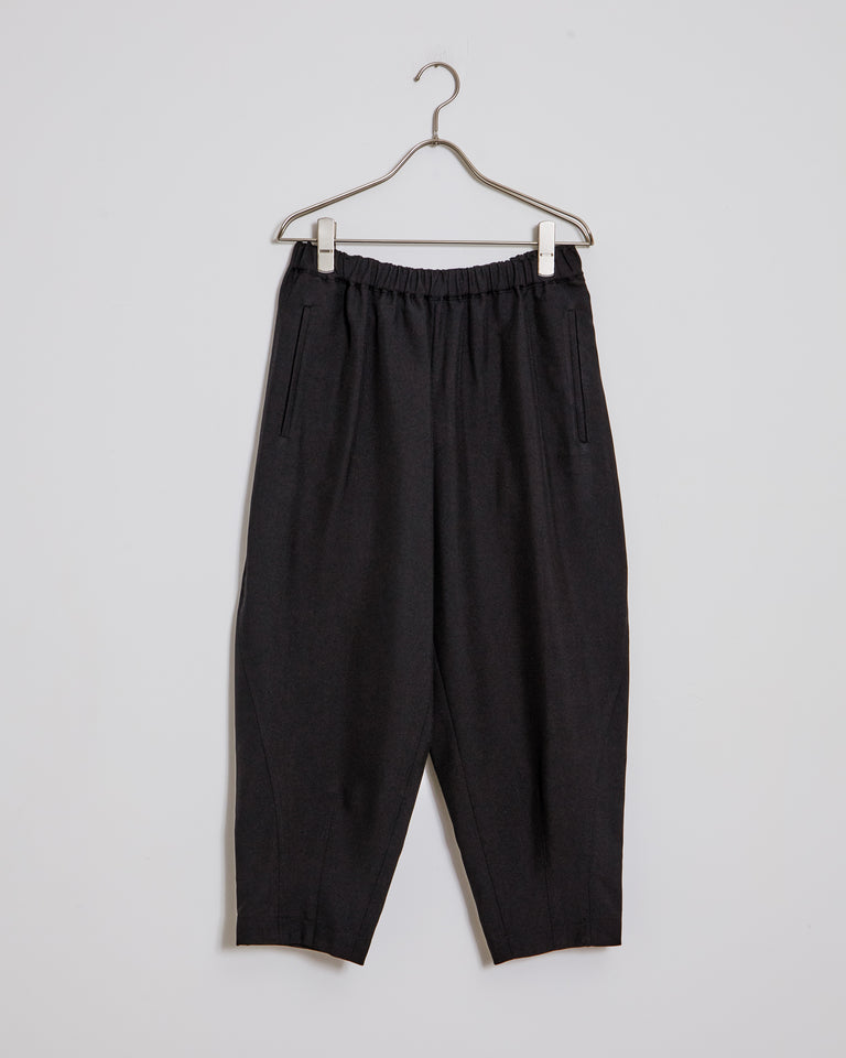 P007 Pants in Black