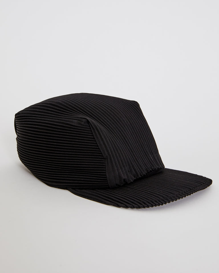 AA506 Cap in Black