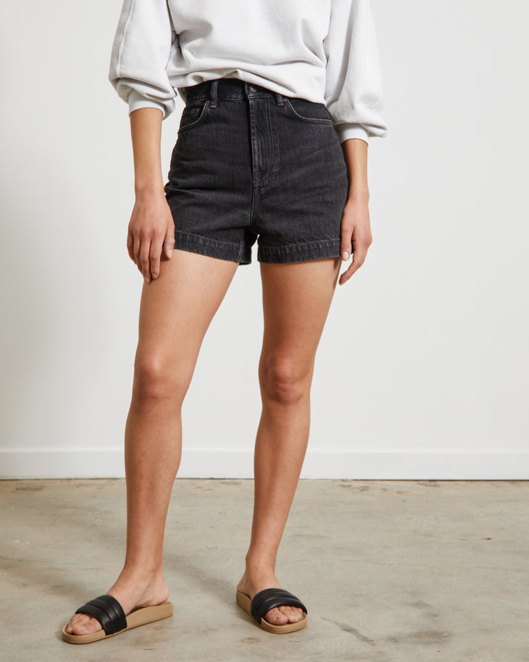 Shorts in Vintage Black