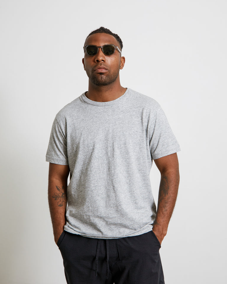 Standard T-Shirt in Heather Grey
