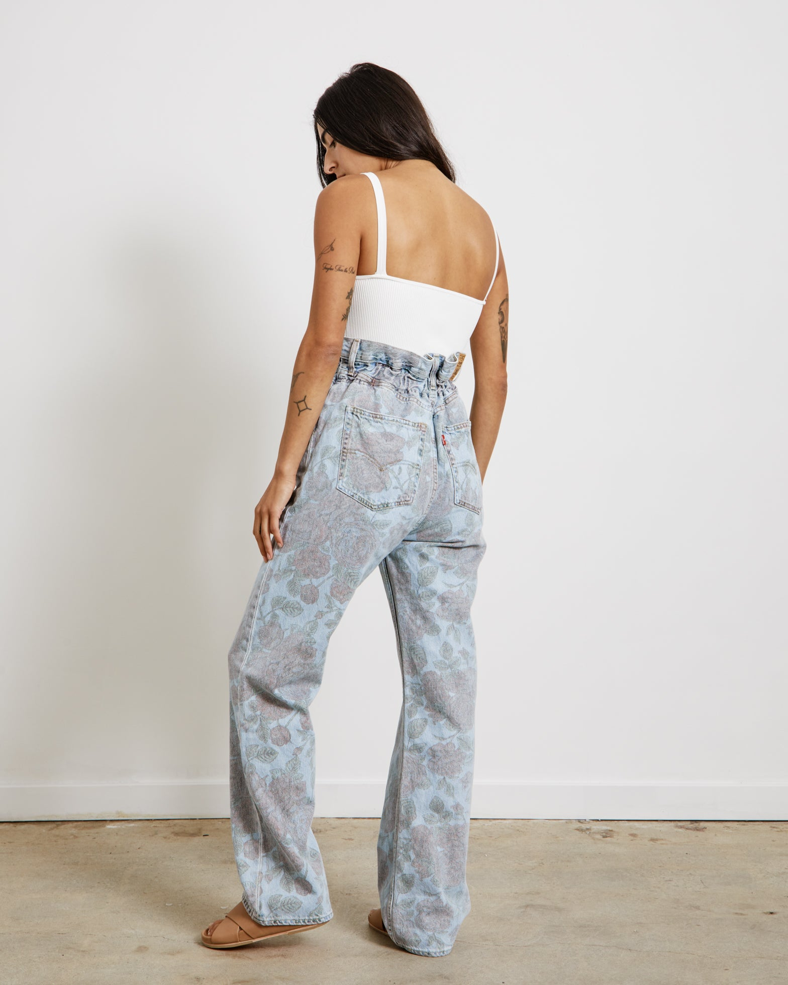 Printed High-Waisted Pants in Light Denim