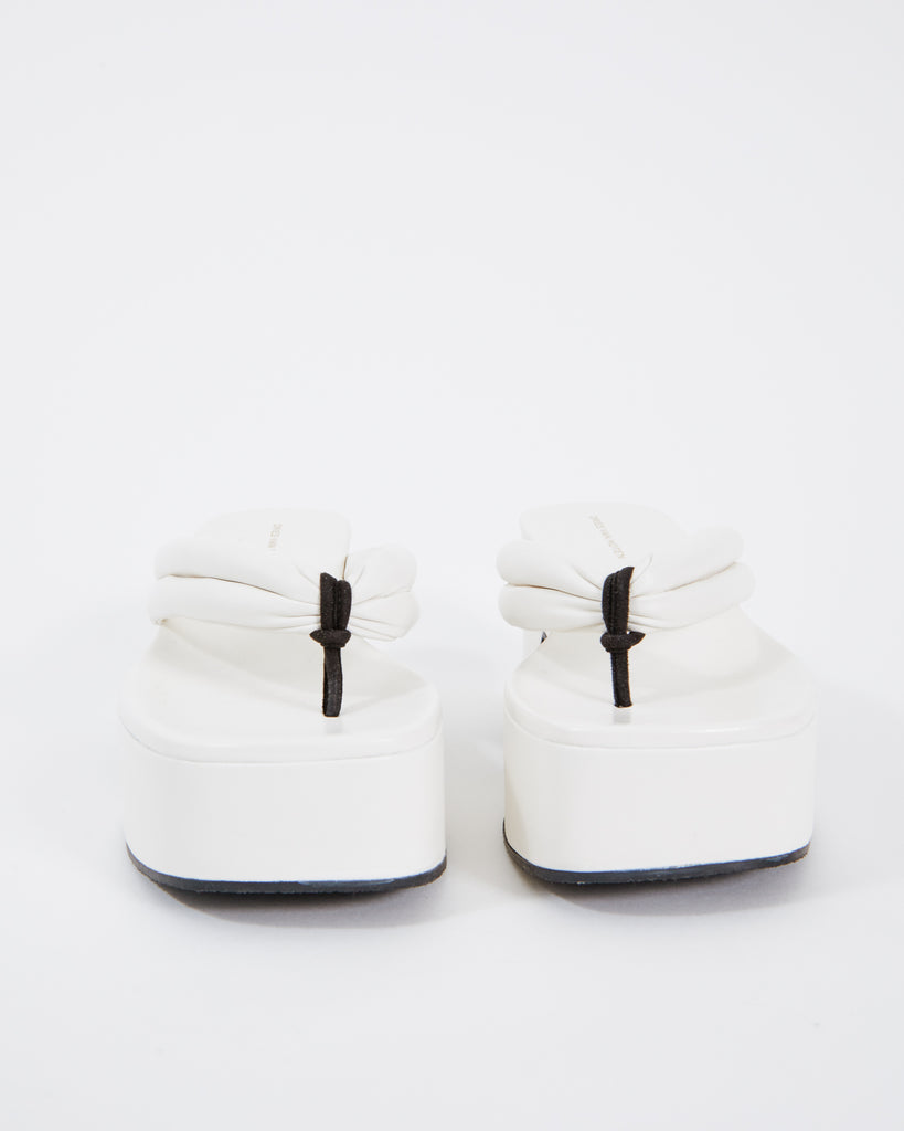 WS211/125/H60 Sandal in White
