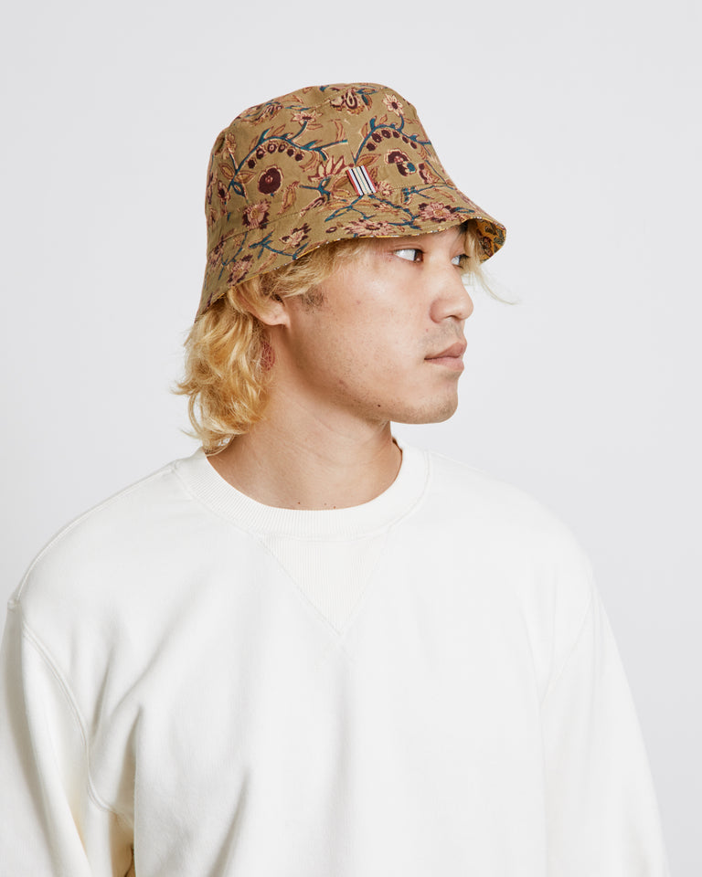 Bucket Hat in Yellow/Tan