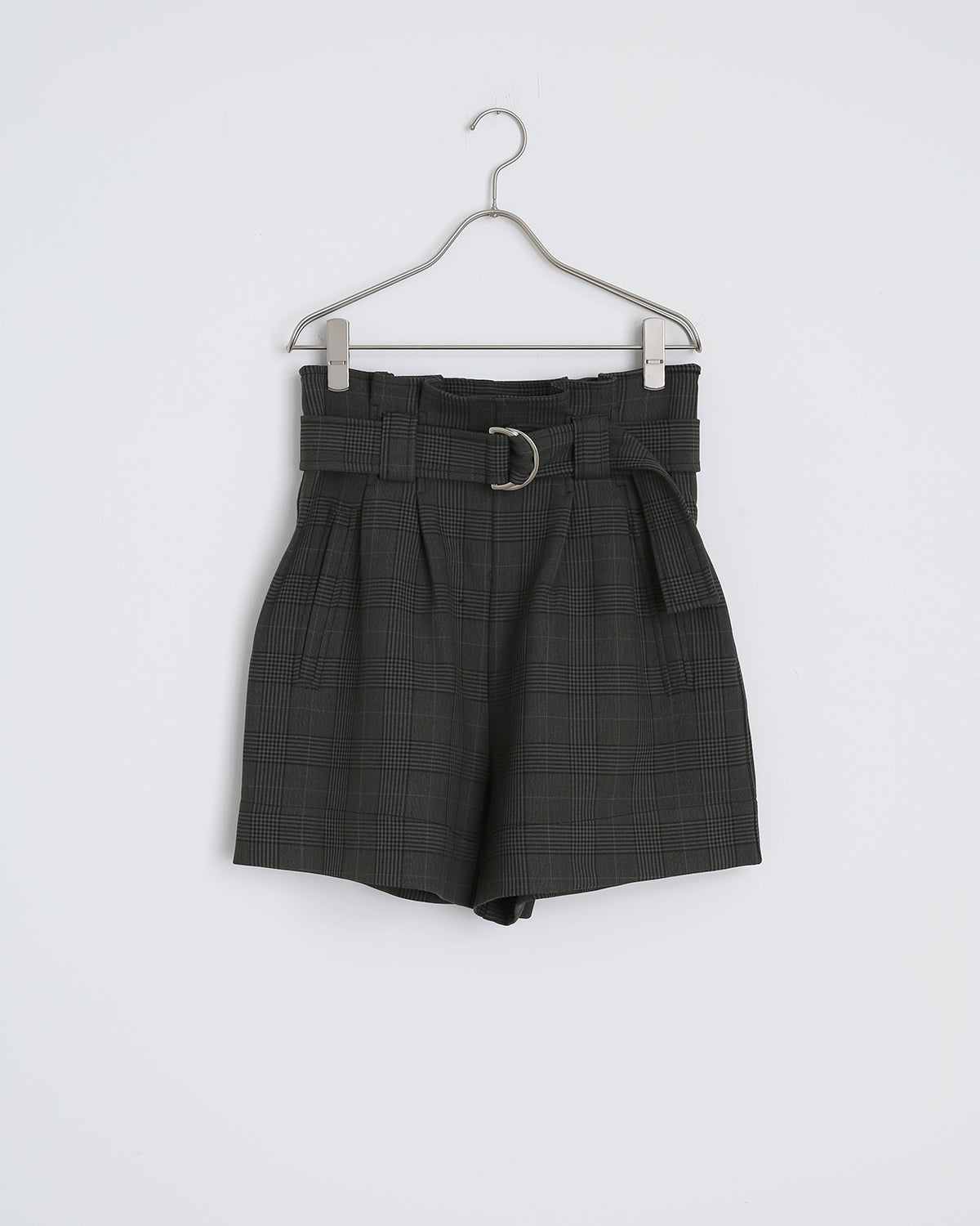 Suiting Shorts in Kalamata
