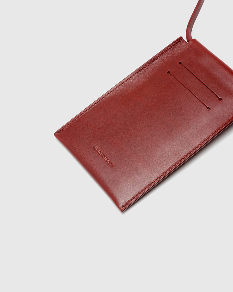 iPhone Sling in Cognac