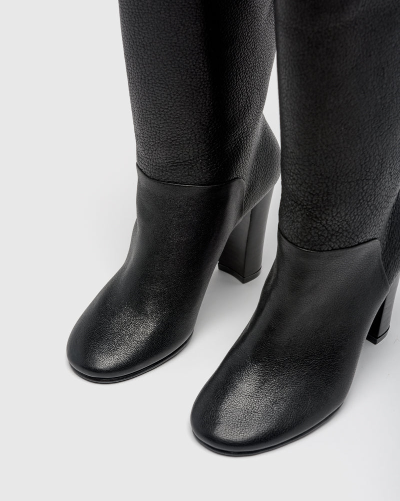 Duarte Boots in Black Pebbled