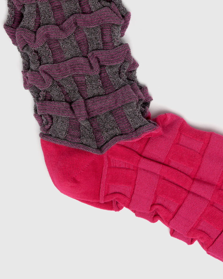 Two-Tone Color Socks in Magenta